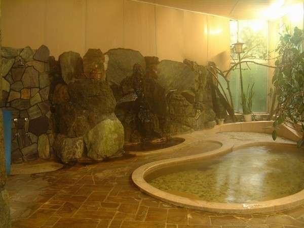 かぢや旅館の温泉はぬるっとしていて特徴的